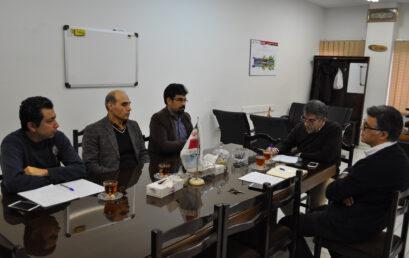 برگزاری جلسه با همکاران کارگاه ها و آزمایشگاه ها